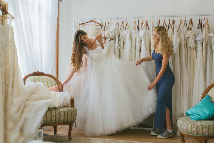 購入?レンタル?海外挙式のウェディングドレスの準備トリセツ