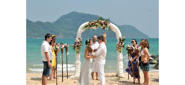感動とドキドキのサプライズ!ハワイの結婚式で実践したい演出まとめ