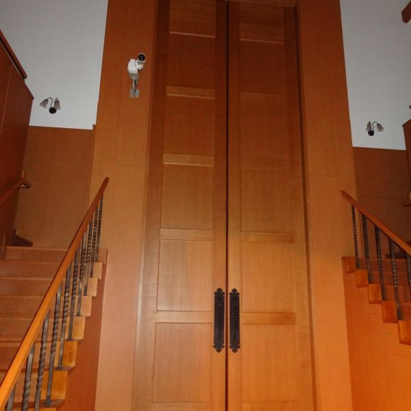 チャペルの大きな扉