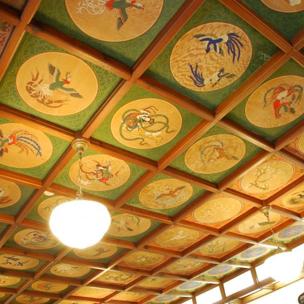 会食した部屋の天井