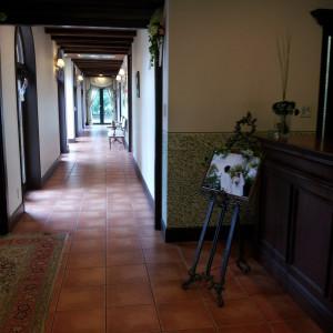 ロビーからチャペルへ続く廊下|323141さんのラ・マーレ プライベートガーデンの写真(61705)