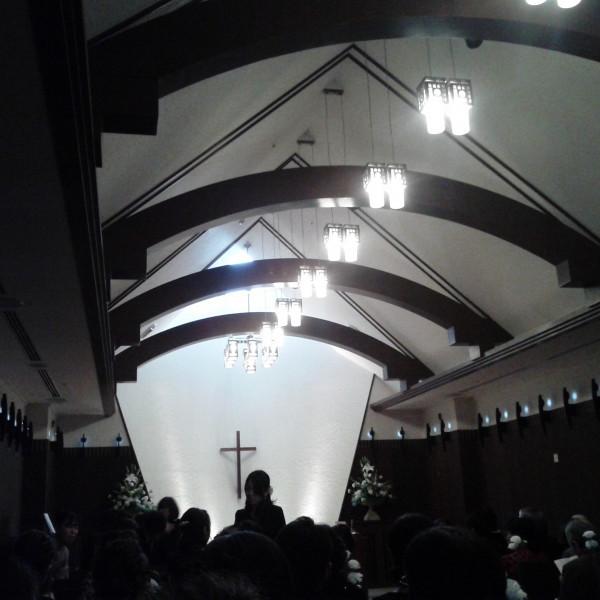 神聖な雰囲気の挙式会場