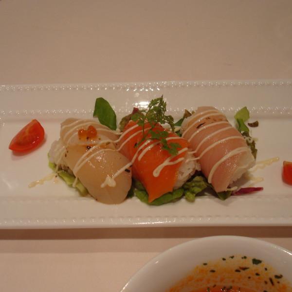 俵寿司の洋風サラダ仕立て