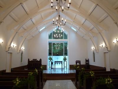 スイートメリロット教会内部。白を基調とした爽やかな教会