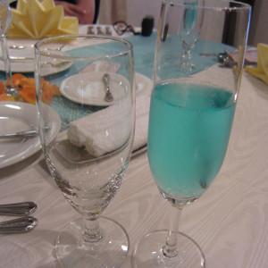 2人のテーマカラーのブルーのシャンパン|369454さんのボン・マリアージュ 多治見の写真(110058)