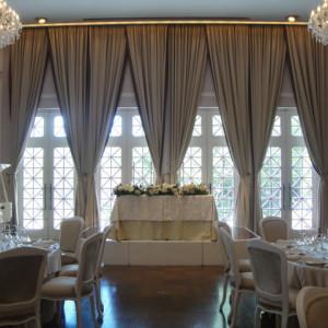 白を基調とした会場|370701さんのヴィラ・デ・マリアージュ 太田の写真(450045)