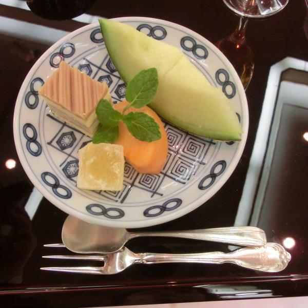 日本食フルコースの〆のデザートです。
