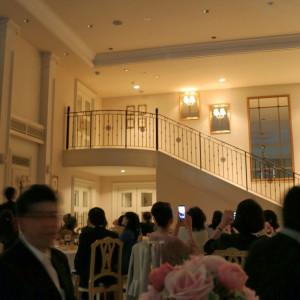 披露宴会場。ここから登場!は驚かれる 378055さんのベイサイド迎賓館(横浜みなとみらい)(ウエディング取扱終了)の写真(157314)