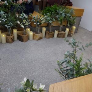 挙式会場内の装花と蝋燭|384933さんのEnFance(アンファンス)の写真(418380)