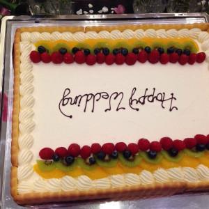 たくさんのフルーツがのってるウェディングケーキ 393704さんのノートルダム盛岡の写真(212534)