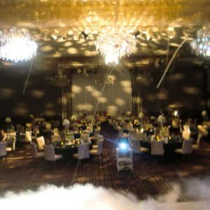 シャンデリアが豪華な会場 397085さんの甲府富士屋ホテルの写真(218044)
