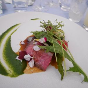 お肉は脂っこくなくとても食べやすい|406030さんのヴィラ・デ・マリアージュ越谷レイクタウンの写真(499643)