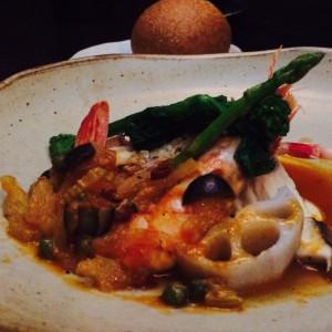 ペシェは、愛媛産真鯛と車海老 春野菜のヴァポーレ。|406437さんの藤右ェ門の写真(243106)