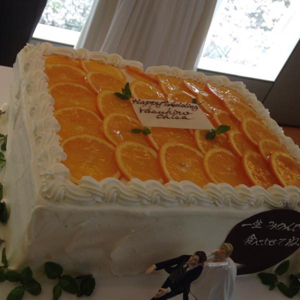 新郎が作った柑橘を使ったオリジナルケーキ