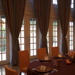 温かみのある披露宴会場|433358さんのヴィラ・デ・マリアージュ 宇都宮の写真(344960)