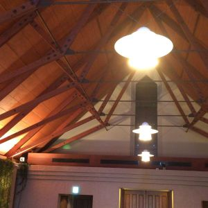 高い天井。開放感溢れるチャペル|433358さんのヴィラ・デ・マリアージュ 宇都宮の写真(344893)
