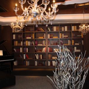 本棚にはサプライズ演出が|436379さんのDESTINO BROOKLYN NEW YORK(ディスティーノ ブルックリン ニューヨーク)の写真(350046)
