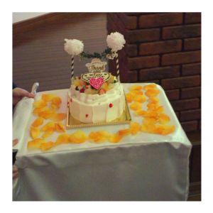 ウェディングケーキは、入刀するのがもったない位可愛い!|439066さんの小さな結婚式 小樽店の写真(363245)