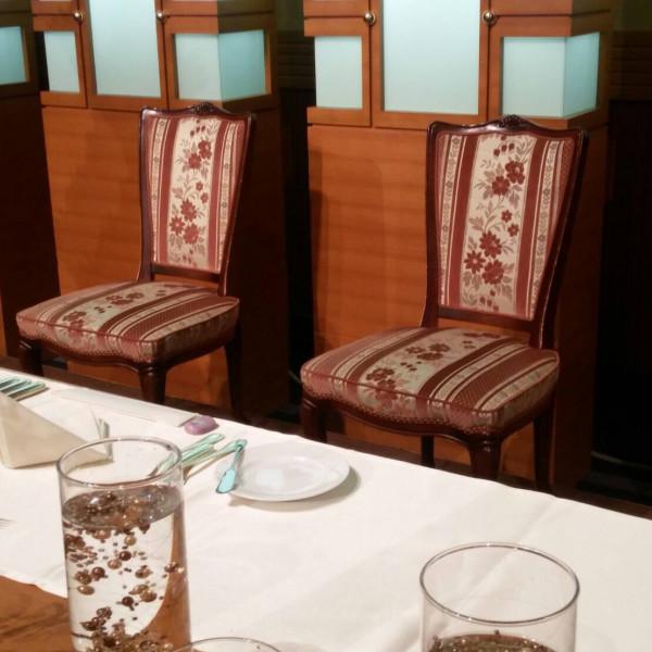 高砂席の椅子もオシャレでした。