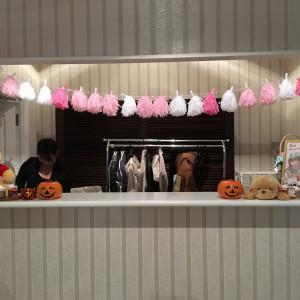 ロビーの上着を預ける場所でハロウィン風に飾ってありました。|461493さんのROSA FELICEの写真(513459)
