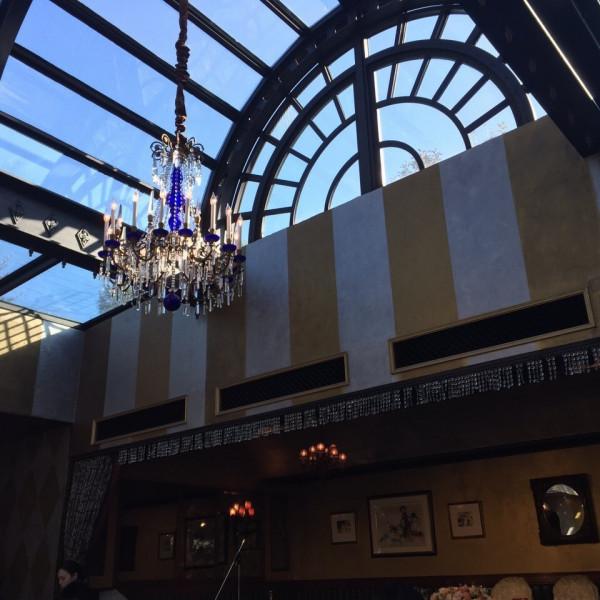 披露宴会場の天井からの光が素敵
