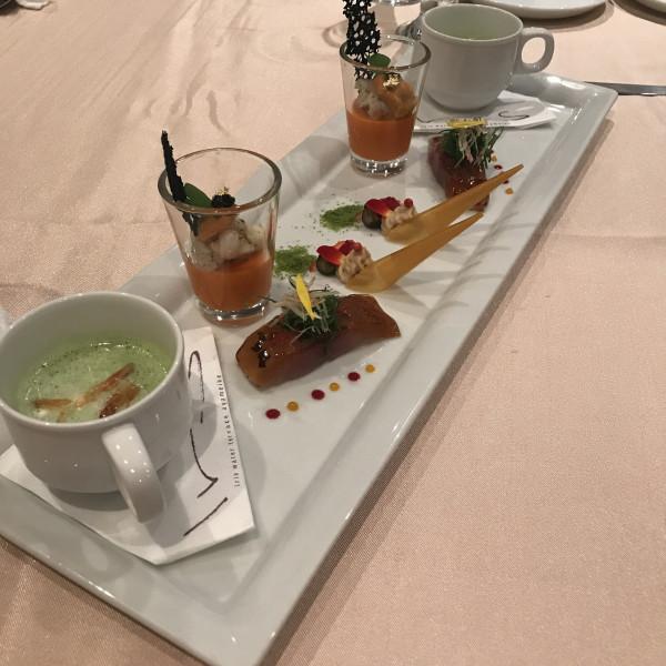 前菜(グリンピースのスープが美味しかったです)