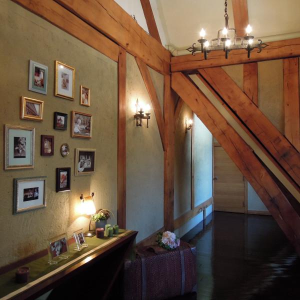 2階チャペルへ続く廊下