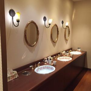 リストランテ・セシル・ローザのトイレ。どんなイメージにも合う|472610さんのヴィラ・デ・マリアージュさいたまの写真(490651)