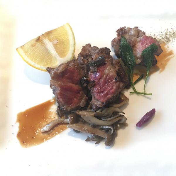石垣ぎゅー。沖縄はお肉が美味しい。