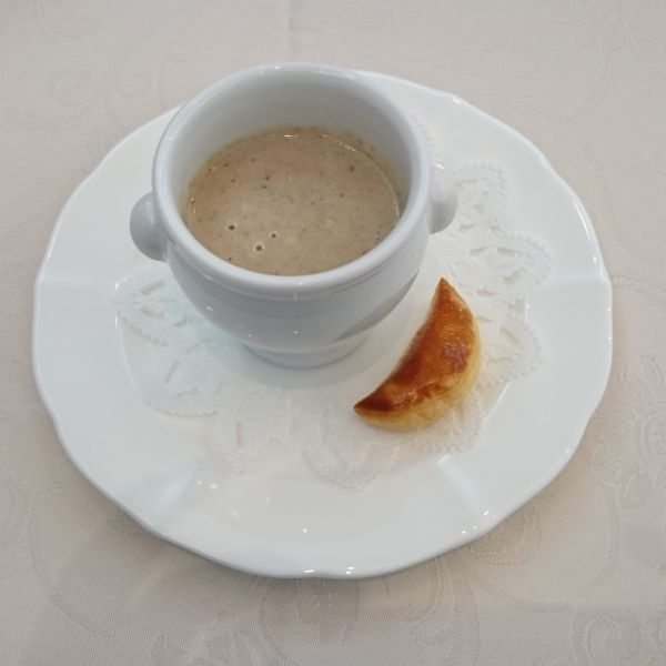 セップ茸とマッシュルームのクリームスープ