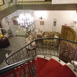 控え室からロビーに降りる螺旋階段。|478609さんの森の邸宅彩音の写真(659264)