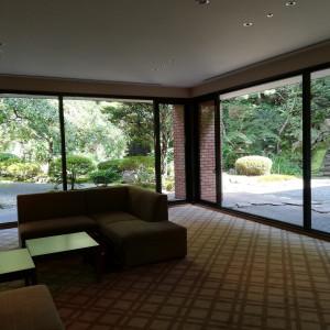 ゲストの待機エリアです。窓か見えるお庭がきれい|478857さんのハイアット リージェンシー 京都の写真(496825)