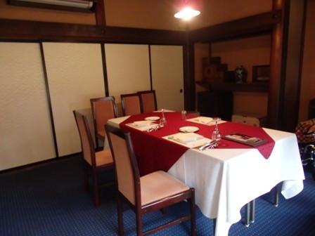 試食の時の部屋です。少人数ならここも使用できます