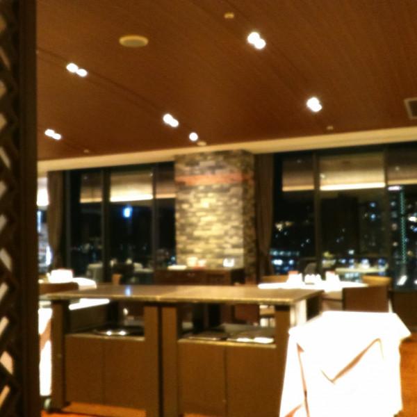 13階披露宴会場は夜景が見えます。