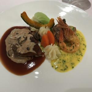 メインの魚と肉料理をワンプレートにしていただきました。|488856さんのテラスグランツ(TERRACE GLANZ)の写真(557280)