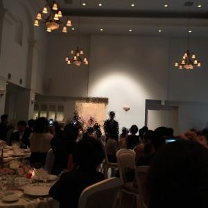 披露宴会場の天井が高いです|489373さんのヴィラ・デ・マリアージュ軽井澤の写真(561287)