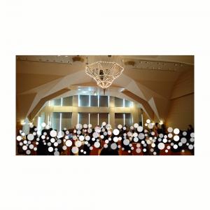 高い天井にシャンデリアが目を引きます|491814さんのTOKYO AMERICAN CLUB(東京アメリカンクラブ)の写真(571389)