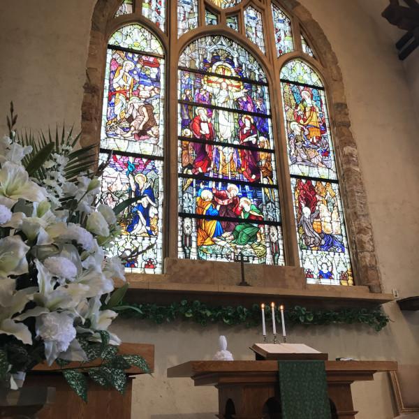 NYの教会から移築されたステンドグラスがすごく素敵!