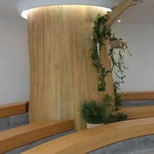 チャペル内の木のオブジェ 493081さんのEnFance(アンファンス)の写真(575739)