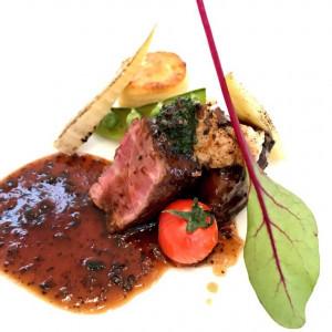 お肉料理です。旬の食材も使われています。|493738さんのアビー・ラ・トゥール教会(ウエディングセントラルパーク)の写真(577623)