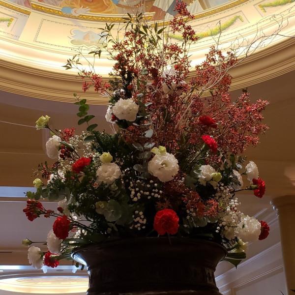 会場内の装花です。こちらで写真を撮ったりもしました。