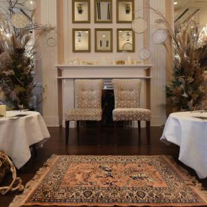 メインテーブル装花とコーディネート|495442さんのモルトン迎賓館 八戸の写真(692865)