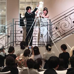 階段入場のあと、ブーケプルズをしました|495442さんのモルトン迎賓館 八戸の写真(692889)