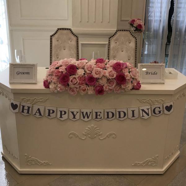 披露宴会場ルフルールのメインテーブルと装花
