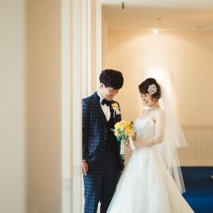 控え室の前の廊下にて前撮り|498078さんのホテル熊本テルサの写真(645448)