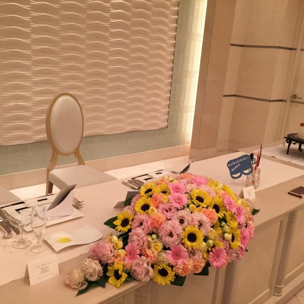 会場自体はシンプル。装花によって自分好みの雰囲気にできそう