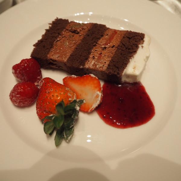ウェディングケーキがチョコレートは珍しいと思いました