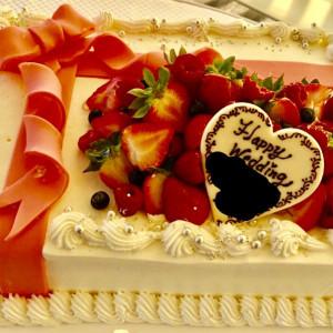 スクエアタイプのケーキです。|502760さんのグラン・ブルーチャペル カヌチャベイの写真(629395)