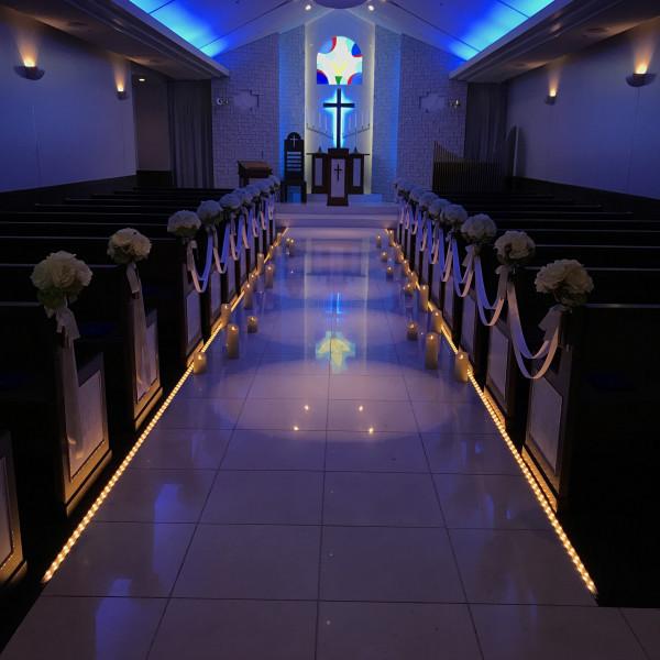 LEDのキャンドルと青色が幻想的で素敵でした!