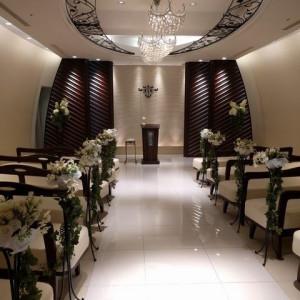 チャペル2(前方)|509091さんの小さな結婚式 横浜店の写真(660368)